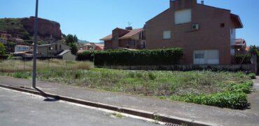 Finca urbana 428m2 en Los Parrales (Albelda de Iregua)