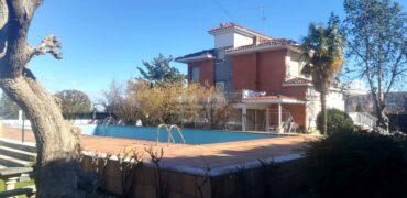 Chalet en Ctra. de Soria 300 m2 en parcela de 3000 m2
